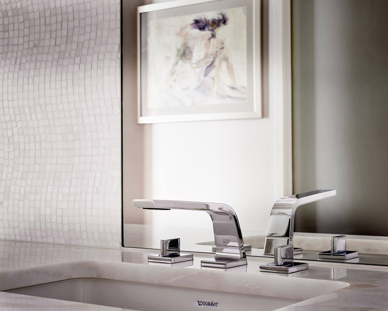 Beautiful Bathroom Hardware To Accompany A Clean Bathroom Design